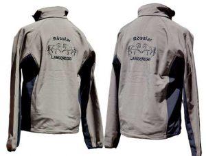 Softshell-Jacke-mit-Pferde Logo bestickt